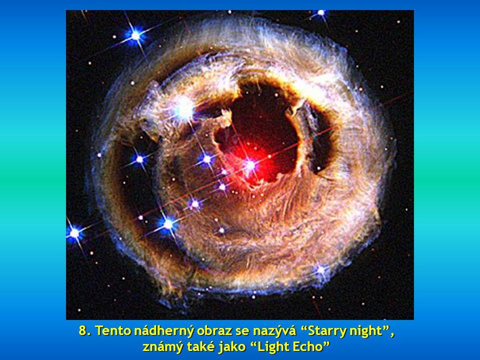 """7. Výřez fota """"Swan Nebula""""= Labutí mlhovina"""", 5.500 světelných let od Země. Gigantický shluk vodíku, malého podílu kyslíku, síry a dalších prvků."""