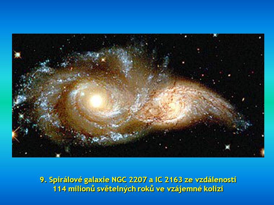 """8. Tento nádherný obraz se nazývá """"Starry night"""", známý také jako """"Light Echo"""""""