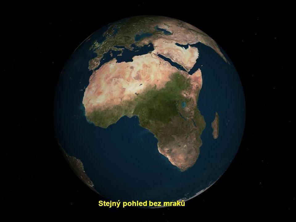 Země, nad africkou částí rovníku, pokrytou mraky