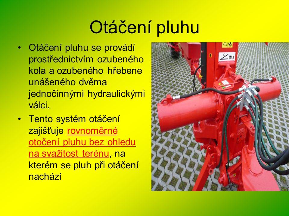 Otáčení pluhu •Otáčení pluhu se provádí prostřednictvím ozubeného kola a ozubeného hřebene unášeného dvěma jednočinnými hydraulickými válci. •Tento sy
