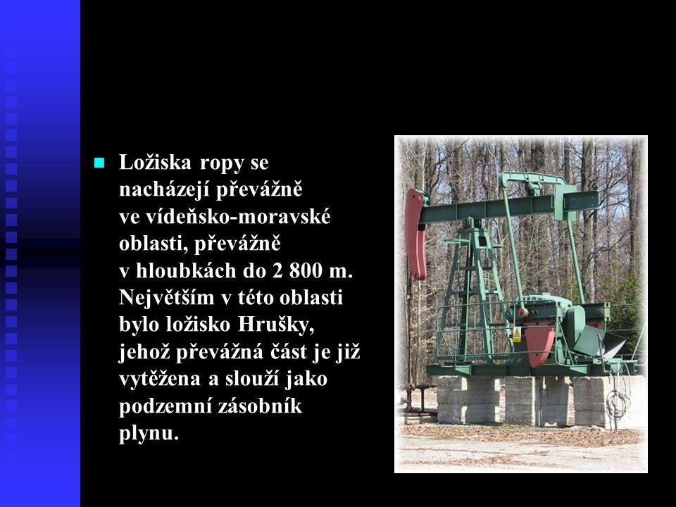  Ložiska ropy se nacházejí převážně ve vídeňsko-moravské oblasti, převážně v hloubkách do 2 800 m. Největším v této oblasti bylo ložisko Hrušky, jeho