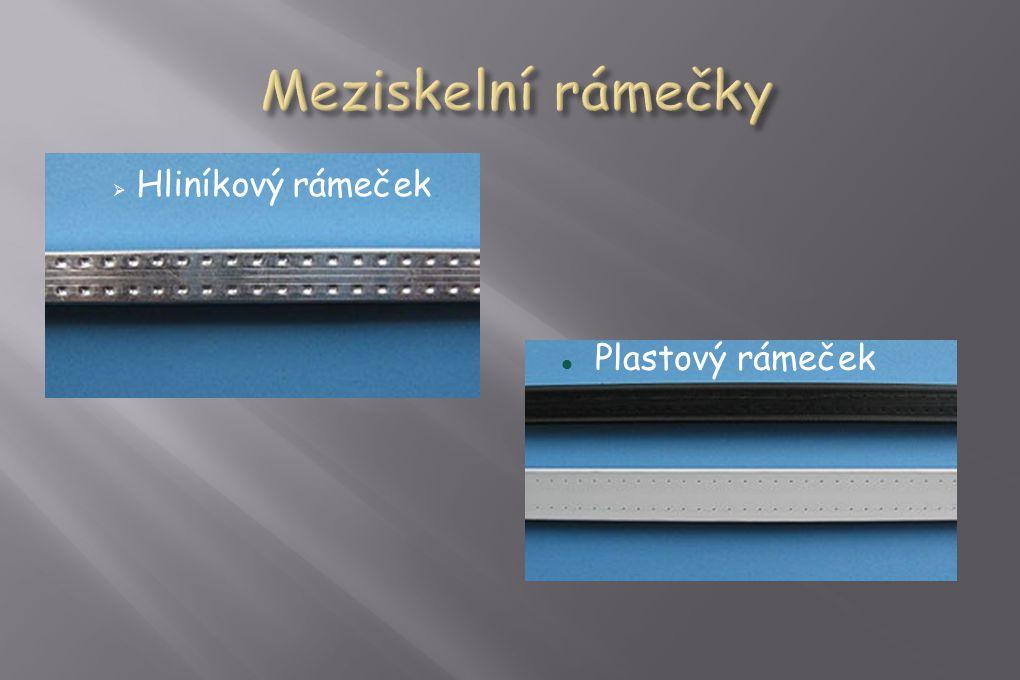  Hliníkový rámeček  Plastový rámeček