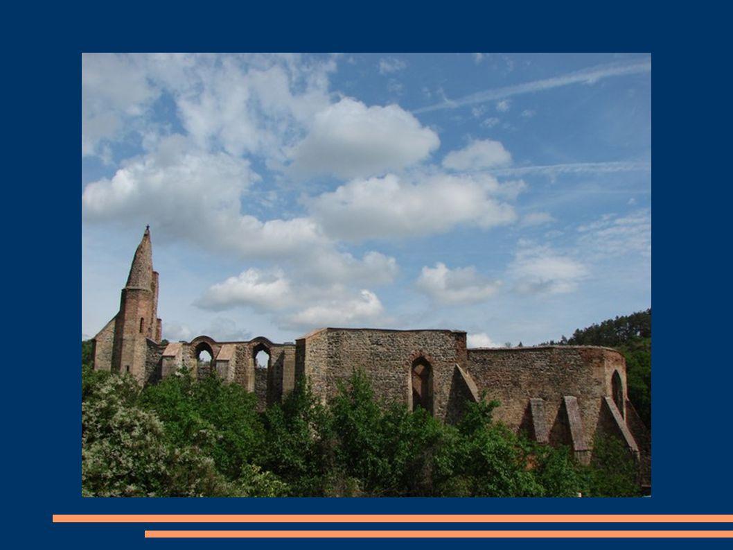Vežička  Poskytuje úžasný výhled na zbytek stavby ale i okolí kláštera  Točité schodiště má  73 schodů