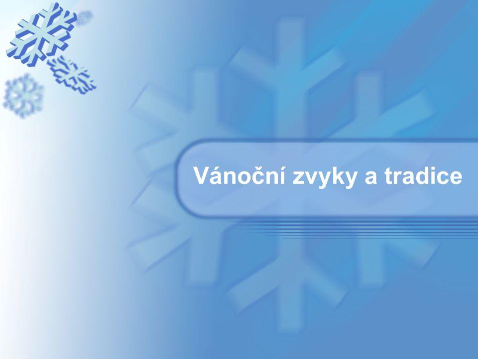 Maďarsko Podle starodávných zvyků na Vánoce v Maďarsku nemá být nikdo sám.