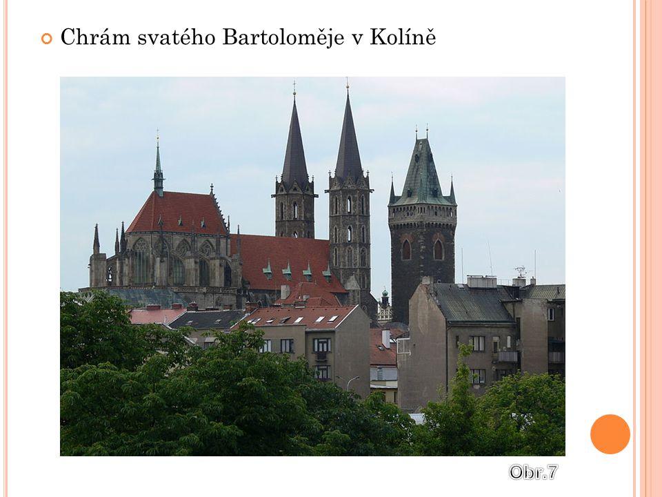 S VĚTSKÁ ARCHITEKTURA Vzniká velké množství hradů  Široké hradby  Hluboký příkop  Padací most Uvnitř hradu:  Palác  Hospodářské budovy  věž
