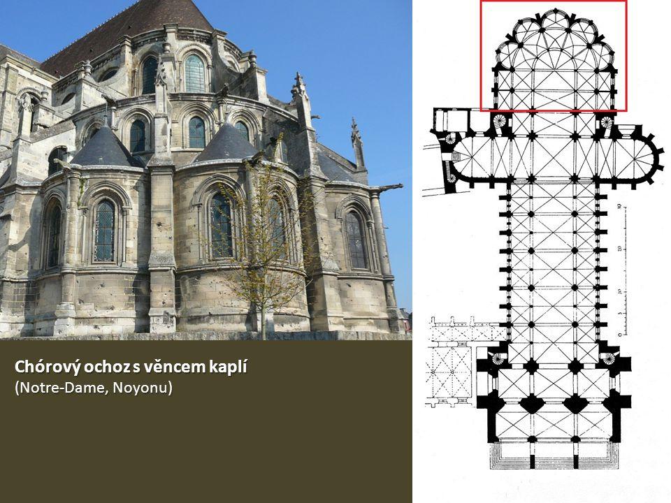 Chórový ochoz s věncem kaplí (Notre-Dame, Noyonu)