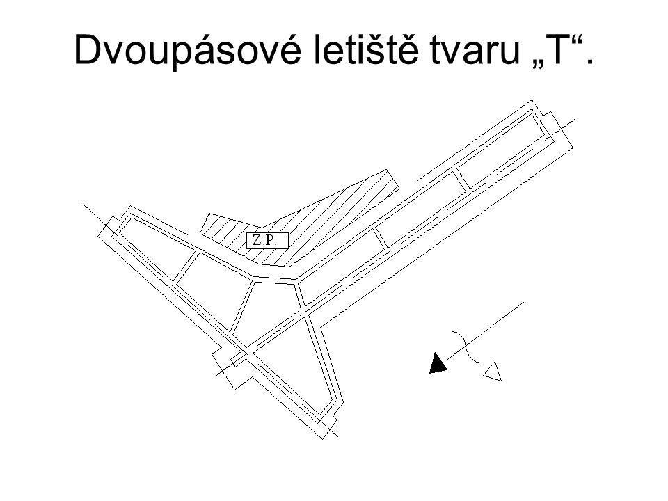 """Dvoupásové letiště tvaru """"T""""."""