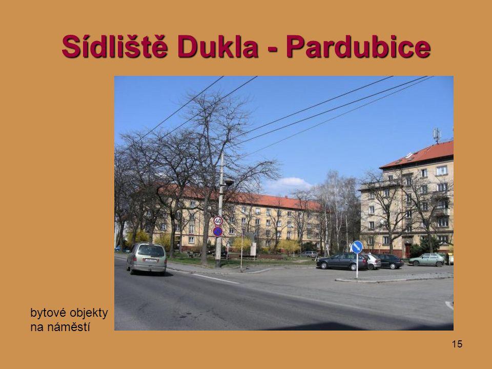 15 Sídliště Dukla - Pardubice bytové objekty na náměstí