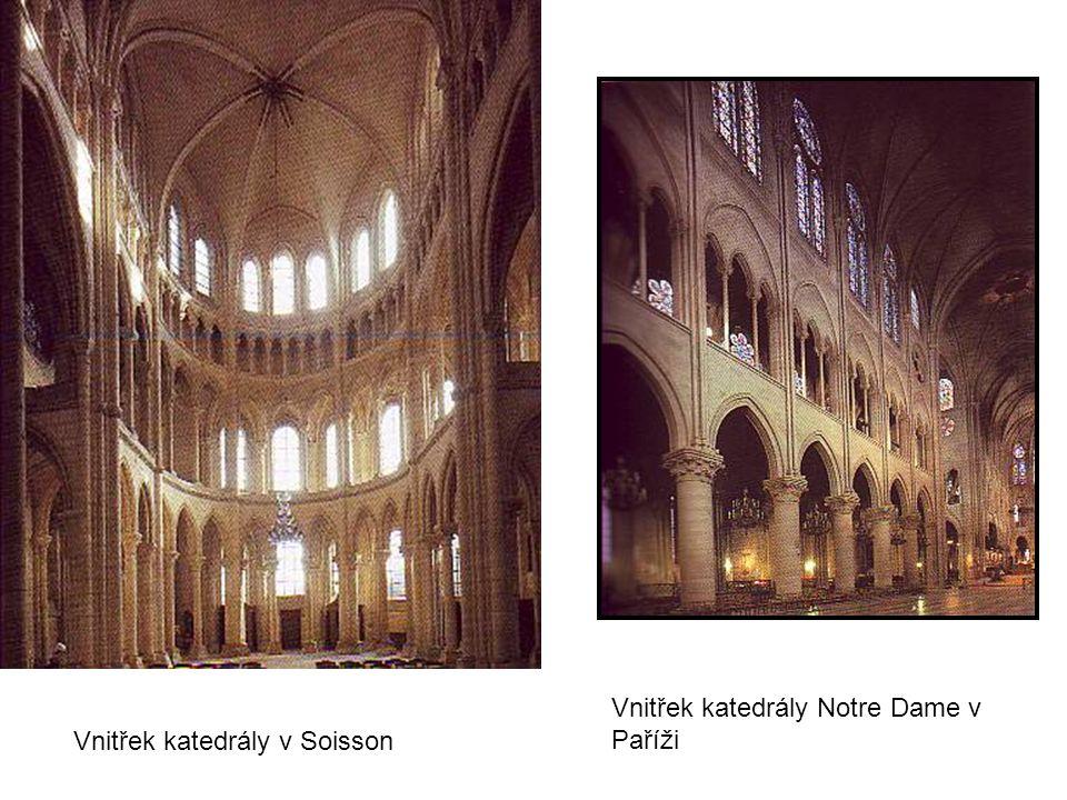 Vnitřek katedrály v Soisson Vnitřek katedrály Notre Dame v Paříži