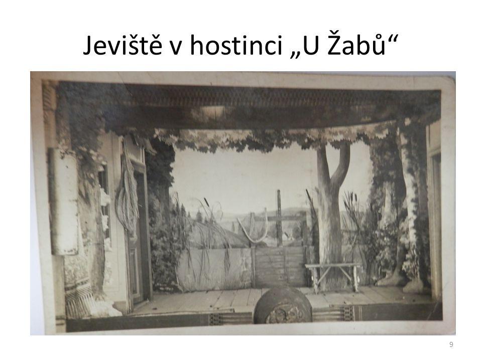 """Jeviště v hostinci """"U Žabů"""" 9"""