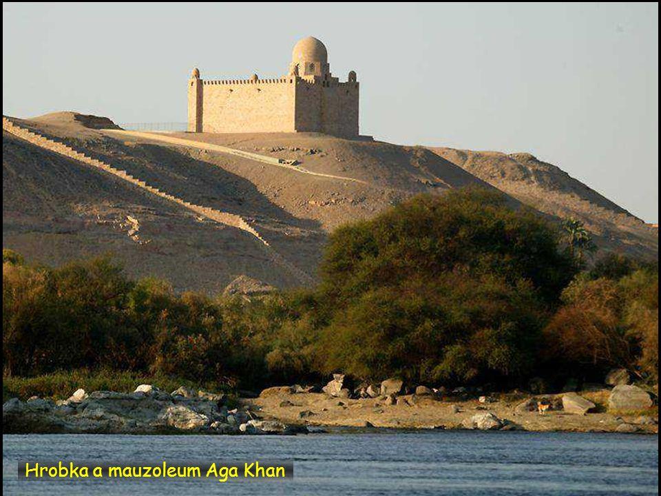 Nil a hrobka a mauzoleum Aga Khan