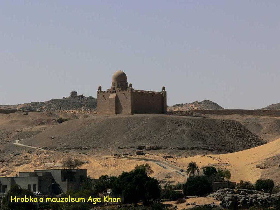Hrobka a mauzoleum Aga Khan