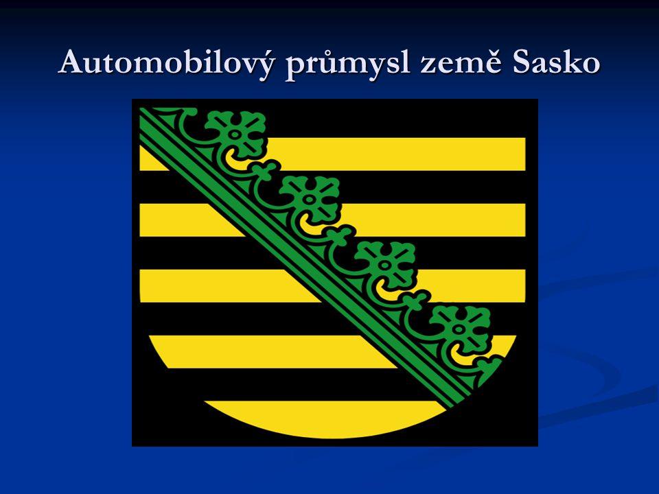 VW Manufaktura Drážďany  Tato manufaktura se nachází uprostřed Drážďan a její zvláštností je že celá budova je prosklená  Z ekologických důvodů její zosobování obstarávají specielně vyrobené tramvaje které dovážejí 80% procent náhradních dílu  Manufaktura vyrábí pouze luxsusní limuzíny Phaeton a denní produkce těchto luxusních vozů je pouze 15 kusů  Výstavba stála 365 miliónu německých marek.