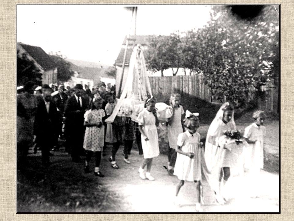 Poutníci z Ořešína v r. 1940 u příležitosti 700.výročí Vranova