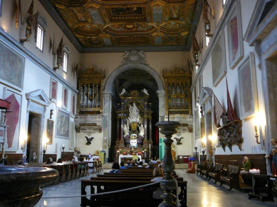 V kostele Chiesa di Santo Stefano dei Cavalieri (r.
