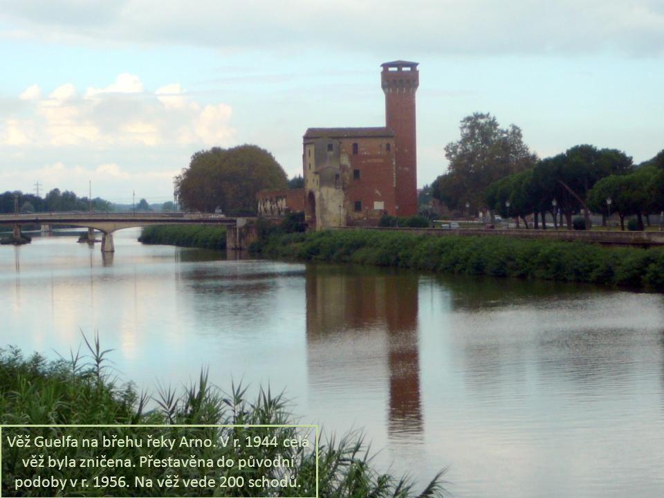 Věž Guelfa na břehu řeky Arno.V r. 1944 celá věž byla zničena.