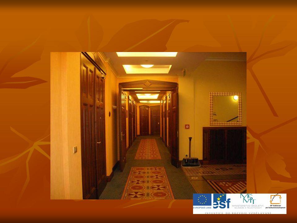  Vychutnejte si neobyčejnou pohostinnost a služby té nejvyšší kvality v pokojích hotelu Imperial.