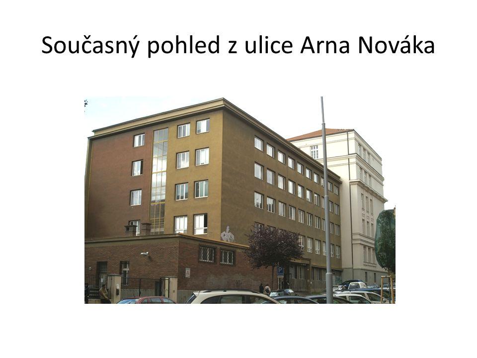 Pohled z ulice Arna Nováka