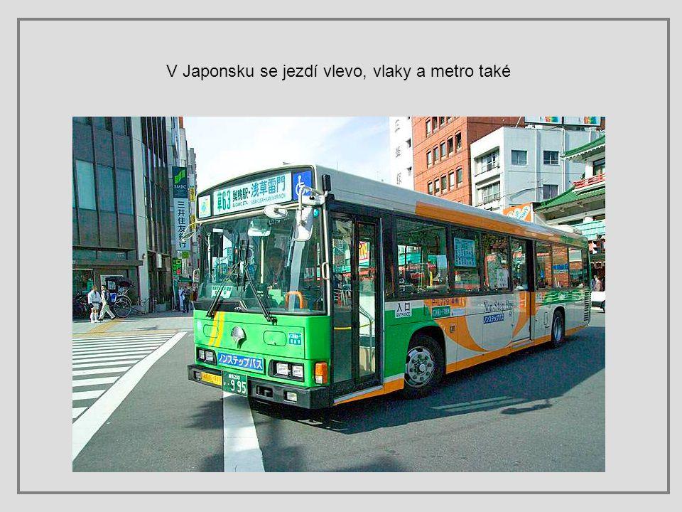 Jízda autobusem je sama o sobě zajímavá. Platí se za ujeté stanice tak, že si při vstupu do busu vezmete lístek s číslem stanice, na které nastupujete