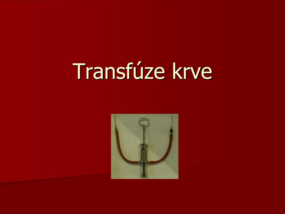 Krevní transfúze  je proces, během kterého je do krevního oběhu příjemce vpravena krev nebo krevní složky od dárce krevního oběhukrevkrevního oběhukrev  je možné ji považovat za specifický případ transplantace orgánu.