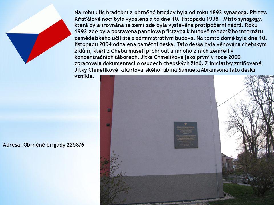 Die neue Synagoge wurde ab 1893 an der Ecke Straßen Hradební und Obrněné brigády.