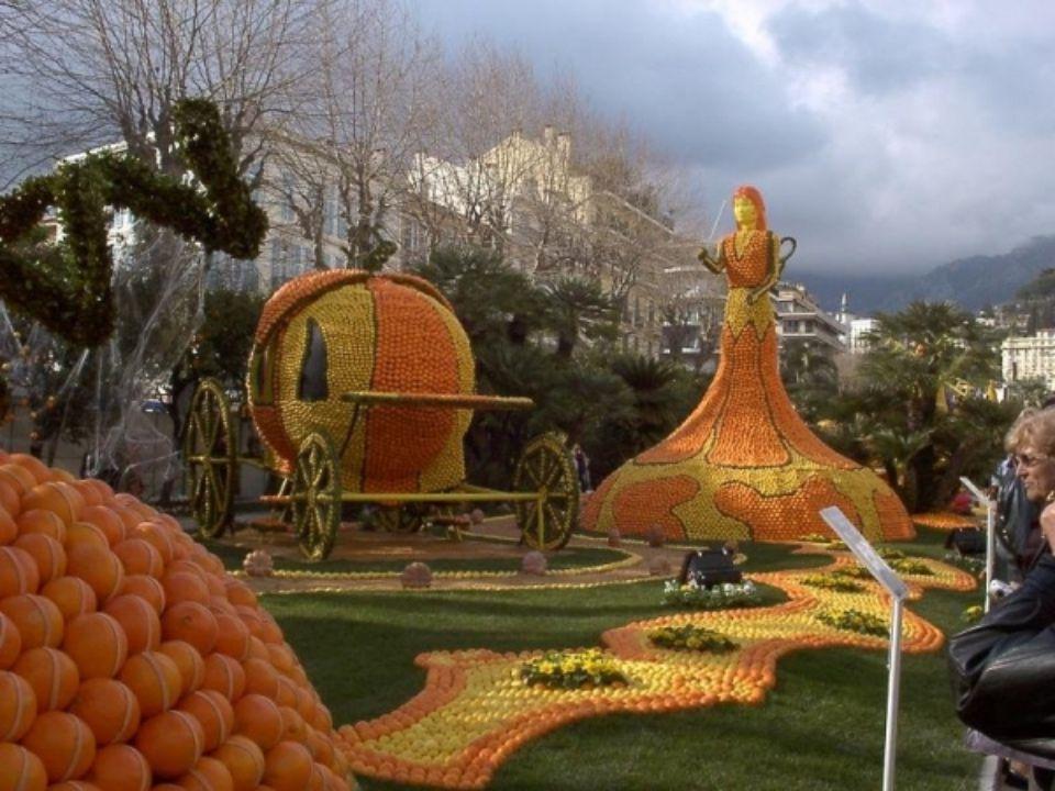 Každý rok je hlavním tématem umělců vytvoření různých citronových soch.