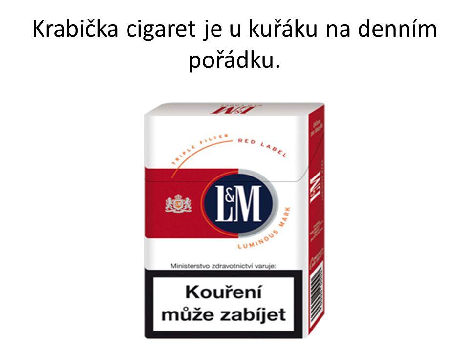 Krabička cigaret je u kuřáku na denním pořádku.