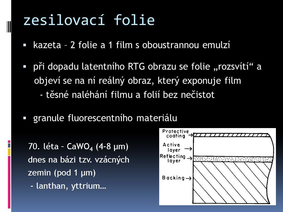 """zesilovací folie  kazeta – 2 folie a 1 film s oboustrannou emulzí  při dopadu latentního RTG obrazu se folie """"rozsvítí"""" a objeví se na ní reálný obr"""