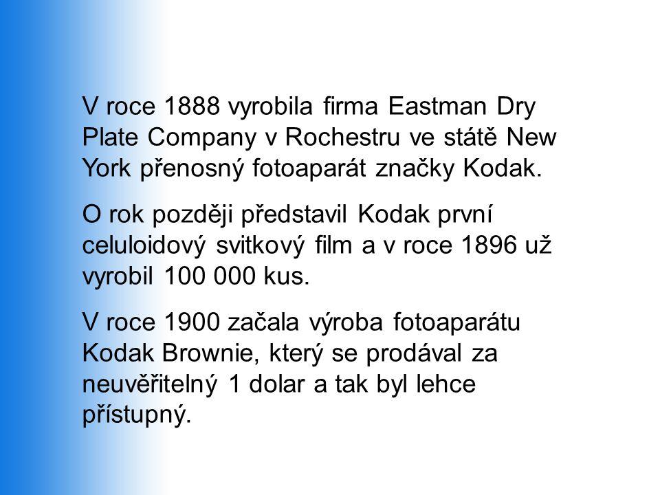 V roce 1888 vyrobila firma Eastman Dry Plate Company v Rochestru ve státě New York přenosný fotoaparát značky Kodak.