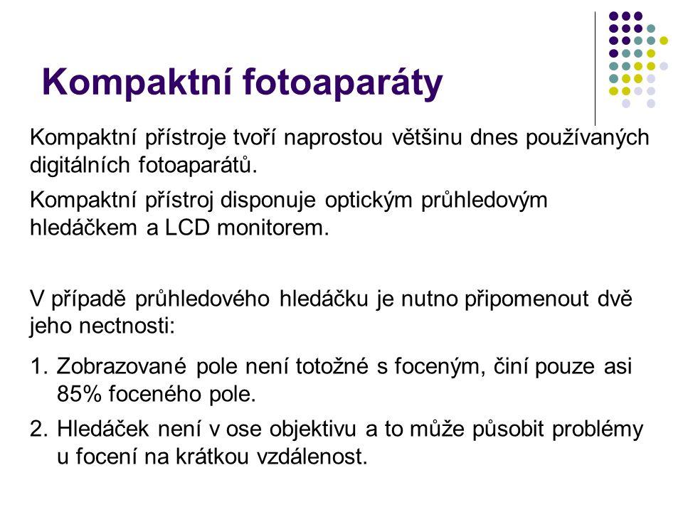 Kompaktní přístroje tvoří naprostou většinu dnes používaných digitálních fotoaparátů. Kompaktní přístroj disponuje optickým průhledovým hledáčkem a LC