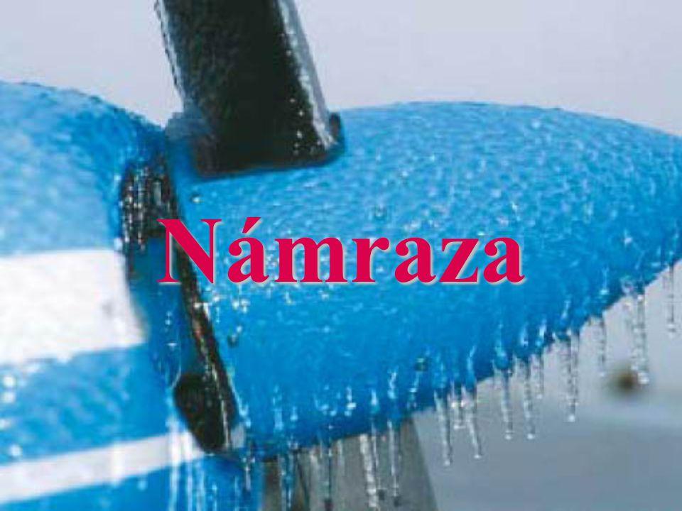 Námraza Námraza, Námraza, jako jeden z nebezpečných meteorologických jevů, zůstává pro současný letecký provoz, i přes moderní prostředky boje proti ní, stále vážným problémem.