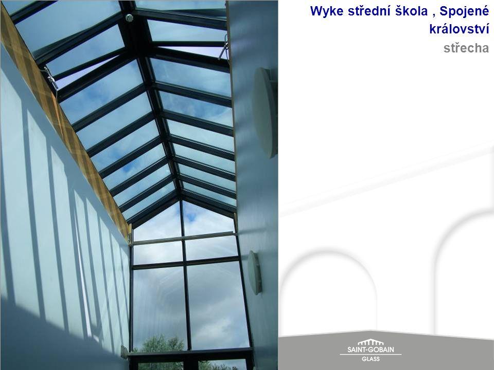 Wyke střední škola, Spojené království střecha