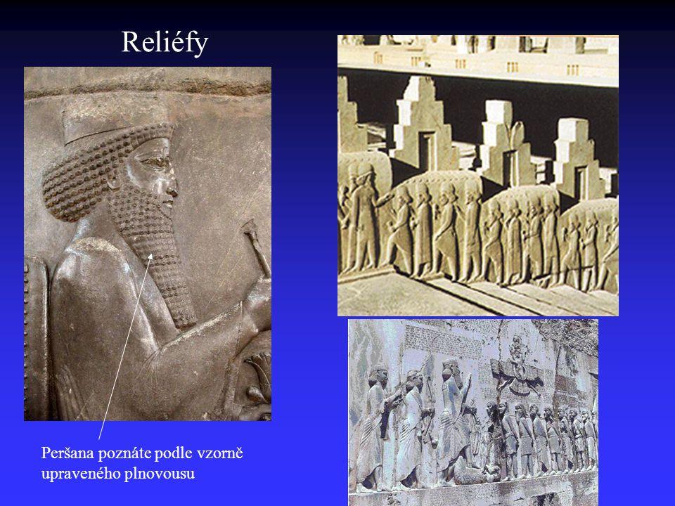 Reliéfy Peršana poznáte podle vzorně upraveného plnovousu