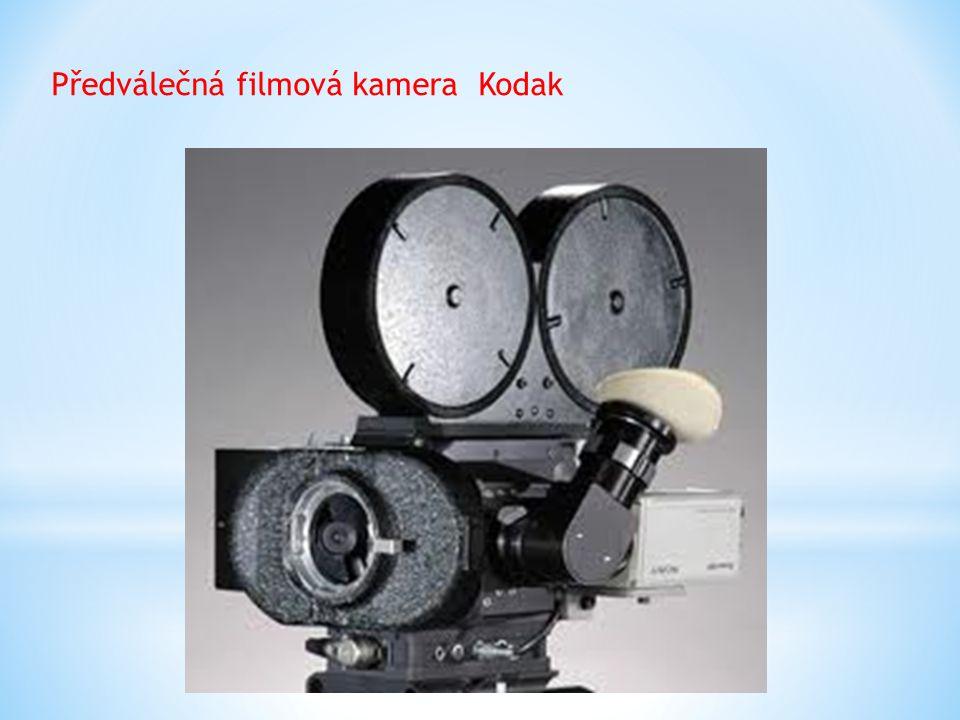 Předválečná filmová kamera Kodak