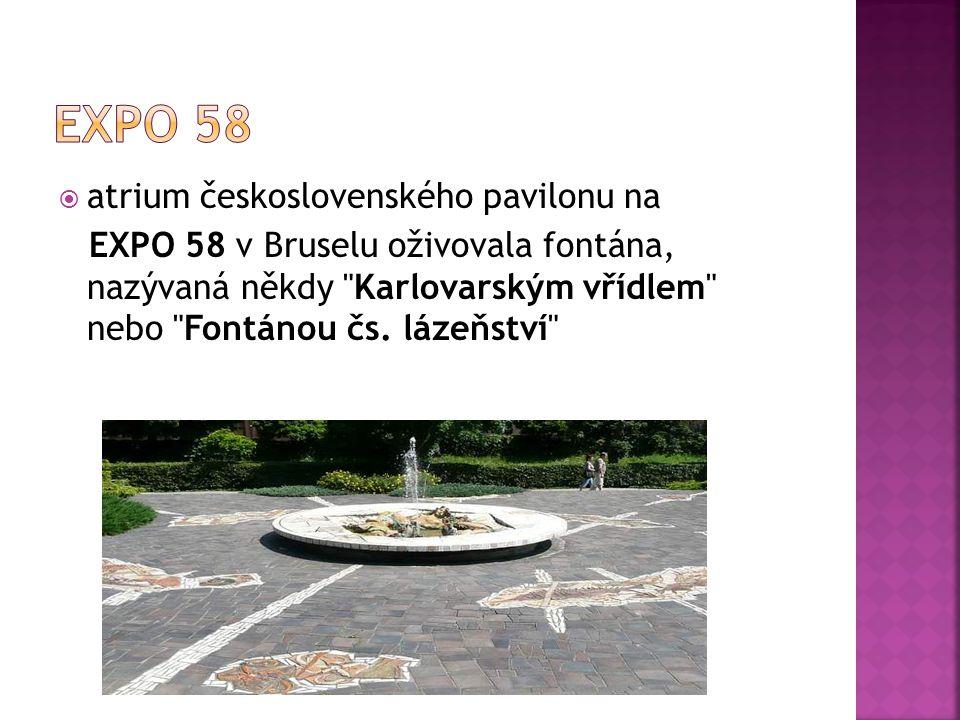 aatrium československého pavilonu na EXPO 58 v Bruselu oživovala fontána, nazývaná někdy