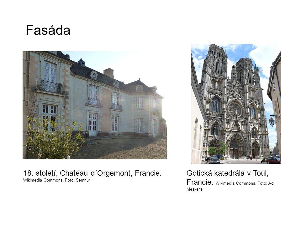 Fasáda 18. století, Chateau d´Orgemont, Francie. Wikimedia Commons.