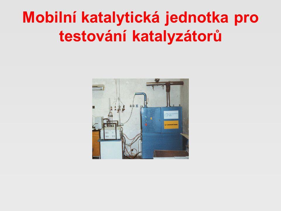 Mobilní katalytická jednotka pro testování katalyzátorů