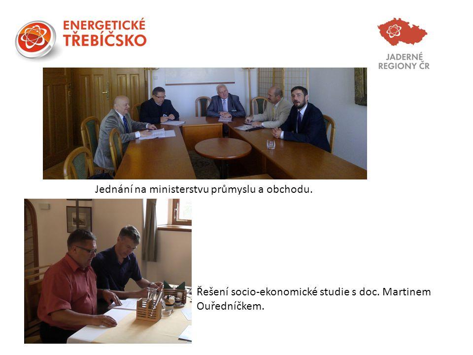 Jednání na ministerstvu průmyslu a obchodu. Řešení socio-ekonomické studie s doc. Martinem Ouředníčkem.