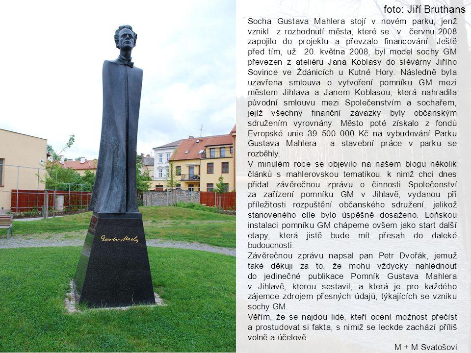 Socha Gustava Mahlera stojí v novém parku, jenž vznikl z rozhodnutí města, které se v červnu 2008 zapojilo do projektu a převzalo financování.