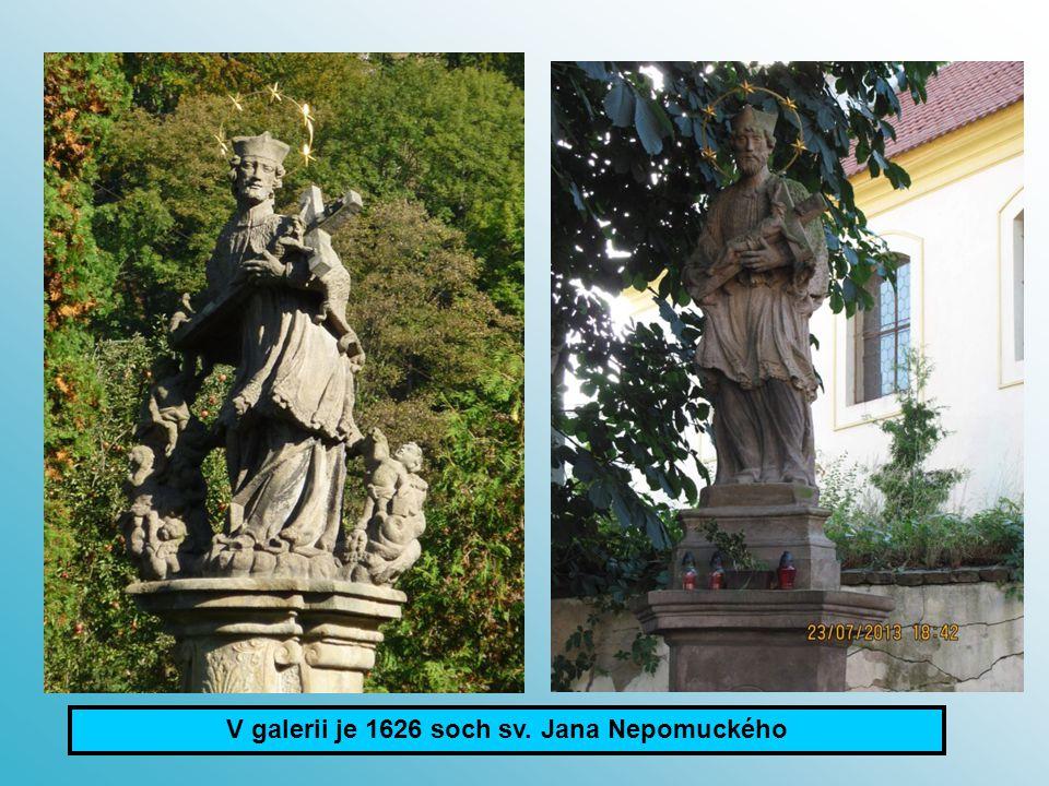 Dolní Dobrouč foto: Uhrová G.Církvice foto: Redr Z. V galerii je 1626 soch sv. Jana Nepomuckého