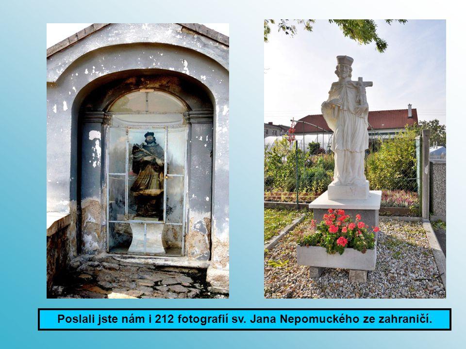 Třebíč foto: Špůrová H. Dlouhý Důl foto: Schieke F. Výklenků, domovních znamení a reliéfů je 223.