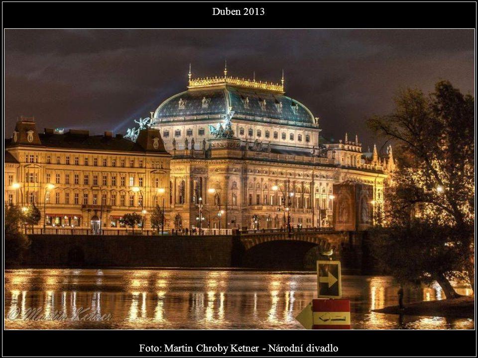 Foto: Michal Helix Dvořák - Ten pohled neomrzí, Karlův most Duben 2013