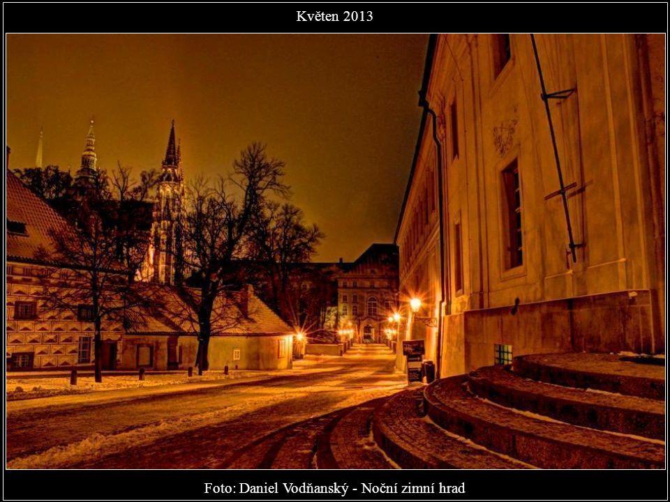 Foto: Petr Kuly - Dva komíny Obecního domu Květen 2013
