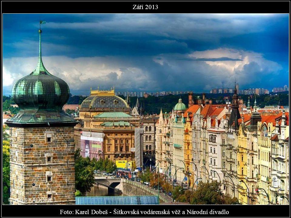 Foto: Karel Dobeš - Do města přišel podzim Září 2013