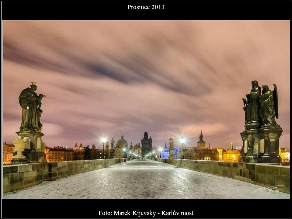 Foto: Michal Grosman - Malostranské střechy Prosinec 2013
