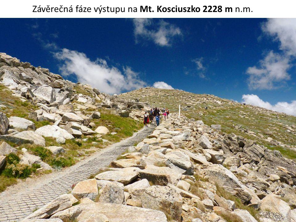 Vrchol Mt.Kosciuszko, poprvé na něj Evropan vystoupil 12.