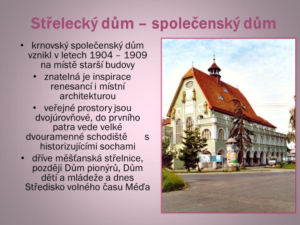 Obchodní a živnostenská komora 1908 - 1910 monumentální historizující stavba, sloužila podnikatelské reprezentaci převážně německého města Opavy skrývala také kancelářské místnosti a knihovnu bohatá byla originální vnitřní výzdoba a výmalba dnes je zde kulturní dům a knihovna