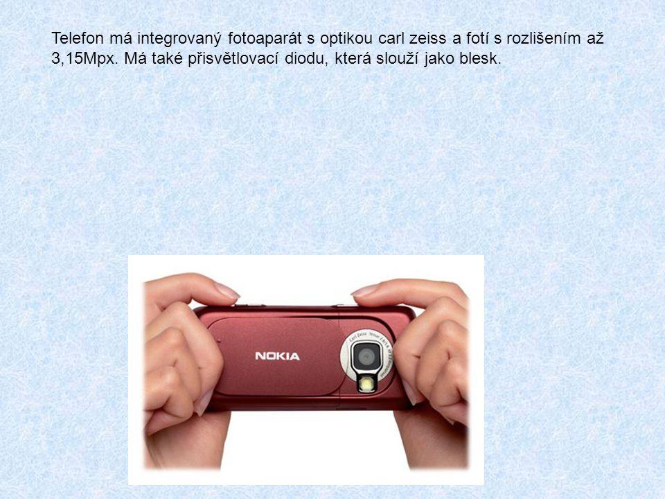 Telefon má integrovaný fotoaparát s optikou carl zeiss a fotí s rozlišením až 3,15Mpx.