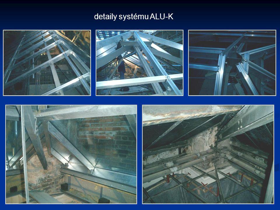 Národní 41 přístavba proskleného venkovního schodiště ocelová konstrukce ze strukturálně zaskleněnými výplněmi