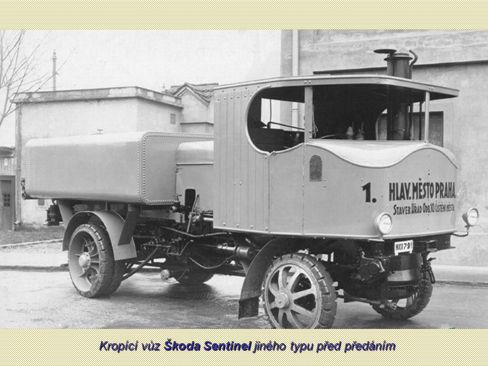 Prototyp kropícího vozu Škoda Sentinel v průběhu praktických zkoušek